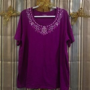 Round Neck Top with Embroidery accent